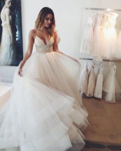 0fc137bc5d4d78a17ec15ba6f64f20aa--tulle-wedding-dresses-wedding-gowns