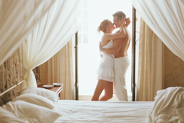 blogs-aisle-say-romantic-things-to-do-on-honeymoons